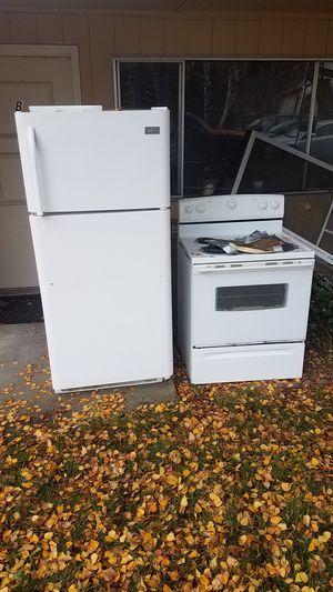 Free! Refrigerator & Range - Auburn for Sale in Bellevue, WA