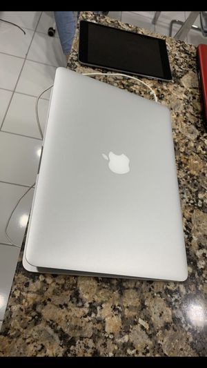 "2015 MacBook Air 13"" i5 8GB 128 SSD excellent condition —-5⭐️⭐️⭐️⭐️⭐️ Seller—-Back To School Sale*** for Sale in Hialeah, FL"