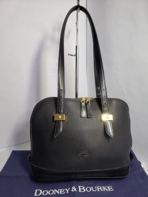 Dooney Bourke Vintage Black leather Bag/ Purse All Weather pebbled Leather for Sale in San Antonio, TX
