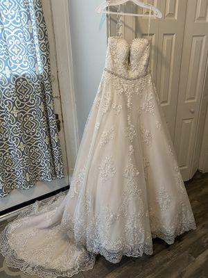 Ivory Maggie Sottero Wedding dress for Sale in Roanoke, VA