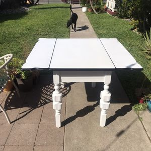 Classic Kitchen Table for Sale in San Diego, CA