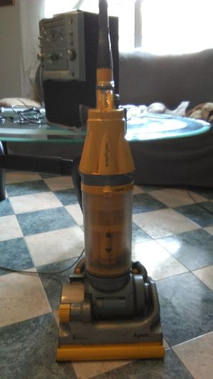 Dyson vacuum no bag needed for Sale in Port St. Lucie, FL