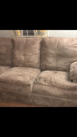 recliner couch for Sale in Waynesburg,  PA