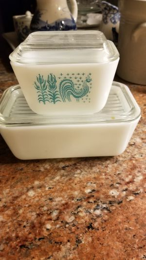 Pyrex 501,502 amish, 401 bowl for Sale in Riverside, CA