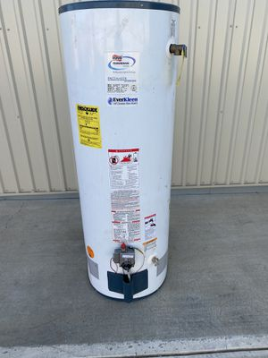 Propane 40 gallon water heater for Sale in Perris, CA