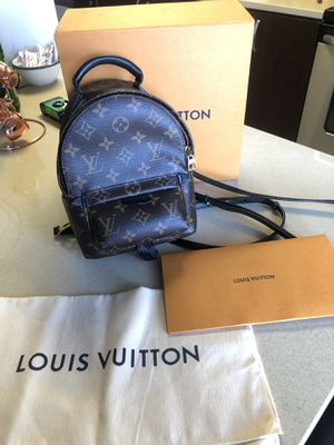 Louis Vuitton Palm Springs Mini for Sale in San Diego, CA