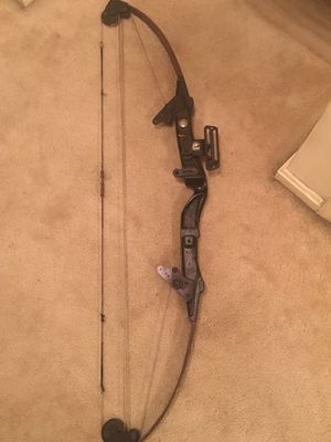 Bear sure-hit vintage hunting bow for Sale in Montgomery Village, MD