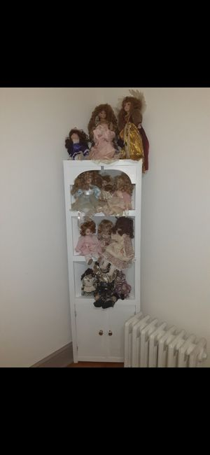 White Stand w/ Antique Collectible Dolls for Sale in Martinsburg, WV