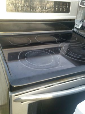 Stainless electric stove w90 days warranty for Sale in Alexandria, VA
