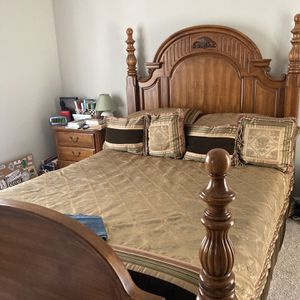 Queen Size Real Wood Bedroom Set for Sale in Raleigh, NC