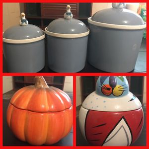 5 storage containers. Read description and check the pictures for Sale in San Antonio, TX