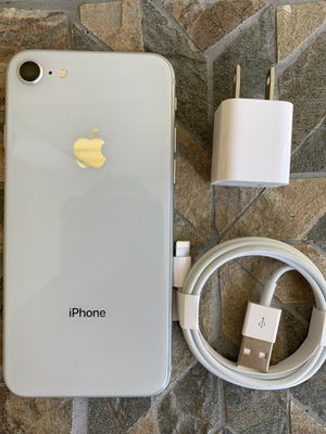 iPhone 8 sprint 64gb for Sale in Waltham, MA