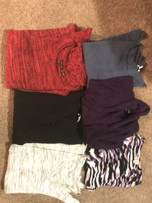 6 Women's Sweaters and Tops -Size Medium for Sale in Glenshaw, PA