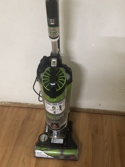 BissEll Vacuum Cleaner . Excellent for Sale in Everett,  WA