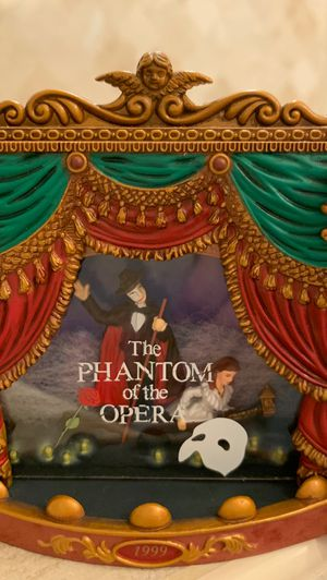 The Phantom of the opera dated 1999 Carlton cards music and lights Heirloom Collection ornament for Sale in La Grange Park, IL