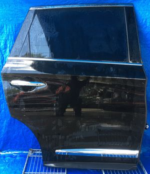 2014 - 2015 INFINITI QX60 REAR RIGHT PASSENGER SIDE DOOR BLACK for Sale in Fort Lauderdale, FL