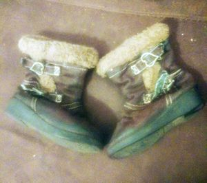 Toddler girl size 6 winter boots for Sale in St. Louis, MO