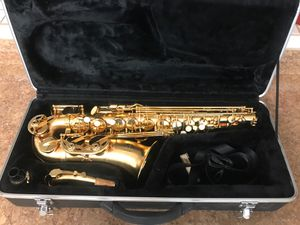 Alto Saxophone with hard case for Sale in Spring, TX