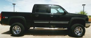 NICE TRUCK 03 1200$ Chevy Silverado for Sale in Columbus, OH