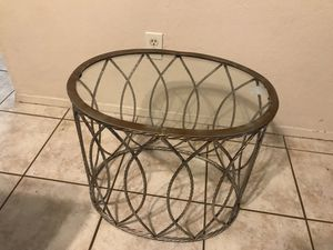 Metal frame, glass top end table. for Sale in Austin, TX