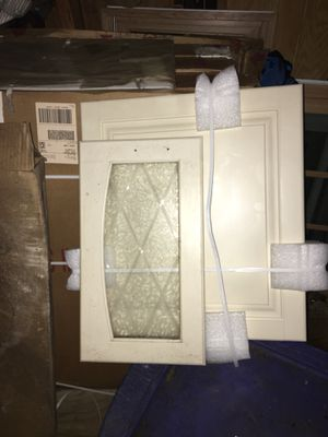 New in boxes kitchen cabinet doors for Sale in Jackson, NJ