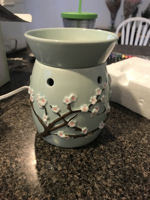 Scentsy warmer, Cherry blossom for Sale in Santa Clarita, CA