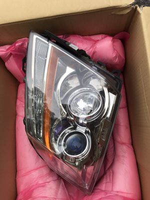 2008-2014 Cadillac CTS Headlight RH Halogen OEM 25897358 for Sale in Germantown, MD