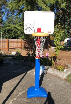 Basketball hoop adjustable. for Sale in Seattle, WA