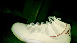 Jordan 11 platinum for Sale in Fridley, MN