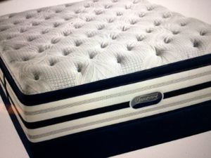 King Pillow Top box set 250 Simmons beauty rest for Sale in Kansas City, MO
