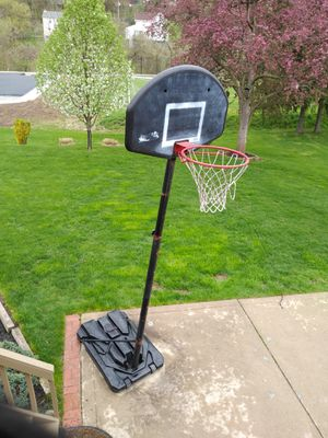 Basketball hoop for Sale in West Mifflin, PA