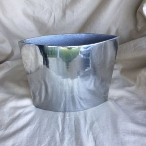 Silver Metal Flower Vase for Sale in Sherman, TX