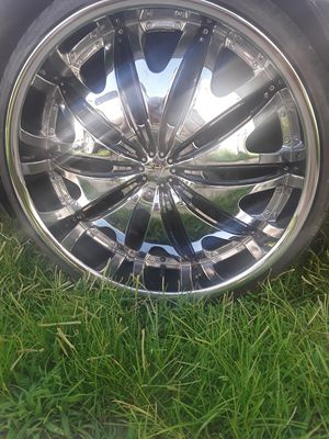 24 inch rims 5 LUG UNIVERSAL 95% tire trend MUST GO ASAP for Sale in Richmond, VA