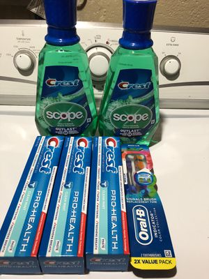 Crest , oral B and scope for Sale in Riverdale Park, MD