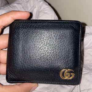 Mens Gucci Wallet for Sale in Alexandria, VA
