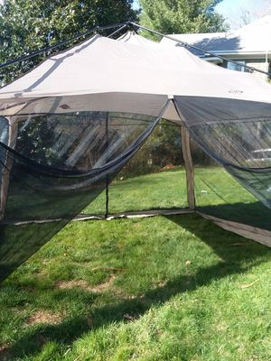 Quest Screen House Tent for Sale in Lynchburg, VA