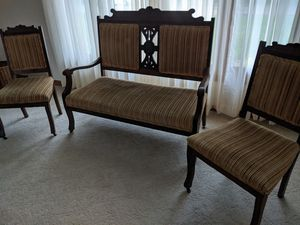 Antique settee & two matching chair for Sale in Appleton, WI