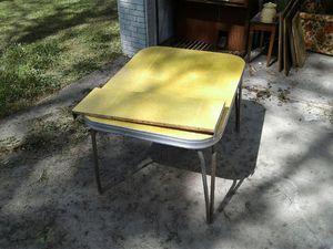 Vintage leaf dining table $50 for Sale in Winter Haven, FL