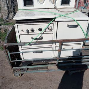 1956 Antique Wood Burning Wood Stove for Sale in Modesto, CA