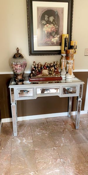 Mirrored table only for Sale in Detroit, MI