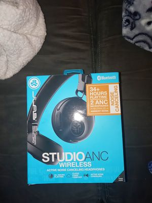 Brand new jlab Bluetooth headphones. With noise cancelling button for Sale in Vancouver, WA