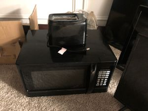 Microwave and toaster for Sale in Decatur, GA
