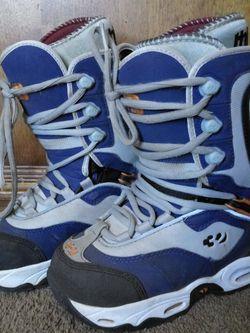 Snowboard Boots Size 6 for Sale in San Bernardino,  CA