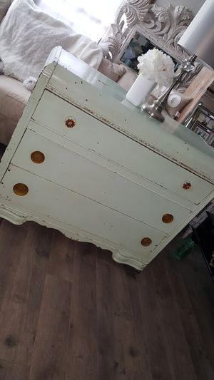 WATERFALL VERY- VINTAGE DRESSER/BUREAU 💗 BEAUTIFULLY IMPERFECT WITH ITS ORIGINAL COLOR LIGHT MINT GREEN-SMALL WHEEL ON BOTTOM Beautiful vintage for Sale in Los Angeles, CA