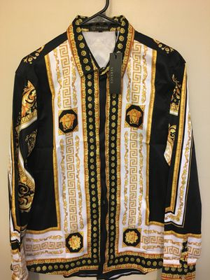 Versace Medusa Shirt Sz M . Brand new / With Tags . No trades ! Unisex ! for Sale in Silver Spring, MD