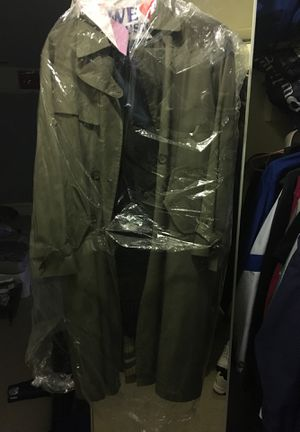 Perusal Raincoat size M for Sale in Silver Spring, MD