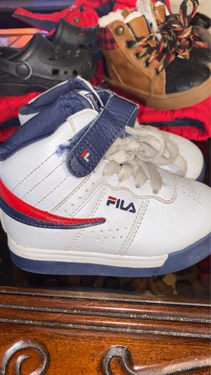 Fila tennis shoes for Sale in Fairburn, GA