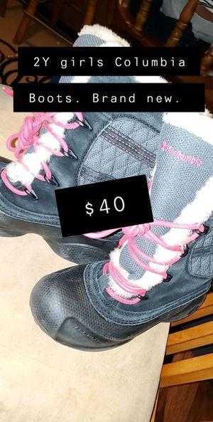 Girls Columbia 2Y Winter Boots for Sale in Minneapolis, MN