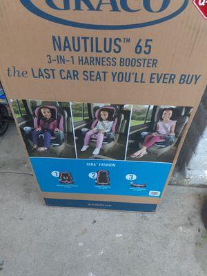 Carseaty y pamper huggies for Sale in Riverside, CA