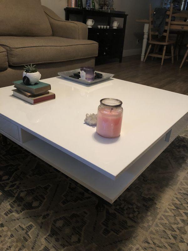 Tofteryd high-gloss white IKEA coffee table great ...